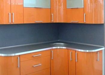 Продам оранжевую кухню глянец