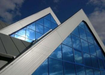 Тонирование стекол, фасадов зданий, балконов