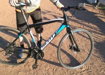 Дорожный велосипед SCOTT.