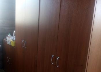 Продается 2 офисных шкафа и тумба б/у