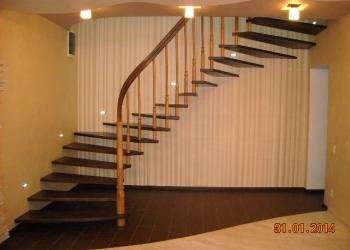 Больцевая лестница с 3D поручнем.