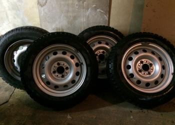 Продам новые зимние колеса