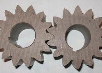 Шестерни текстолитовые для насоса перелива углекислоты