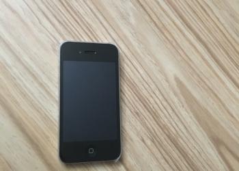 Срочно продам iPhone 4 8 GB