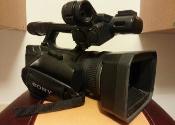 видеокамера Sony HDR-AX2000