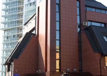 Продается  5- этажное административное здание