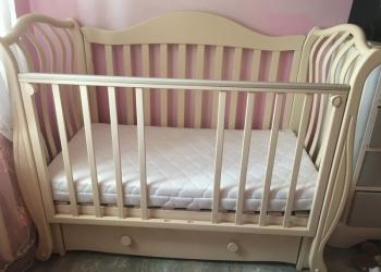 Продам детскую кроватку вместе с матрасом