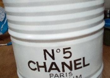 """Бочка железная 200 л с дизайном """"Шанель №5"""" белая"""