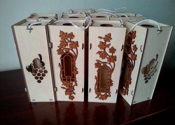 Подарочная упаковка под бутылку вина.