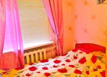 Полутораспальная кровать(для двоих просторно),с ортопедическим матрасом
