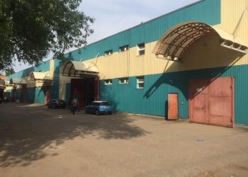 Сдаю производственно -складскоепомещение пл 1075 кв м,расположенное на 1 и 2