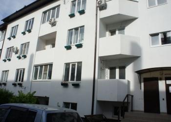 2-к квартира, 61 м2, 1/3 эт. ул Генерала Петрова