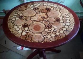 Столик.