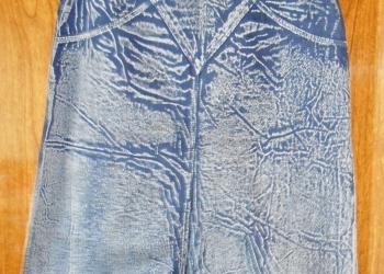 2 юбки - джинсовая и клетчатая