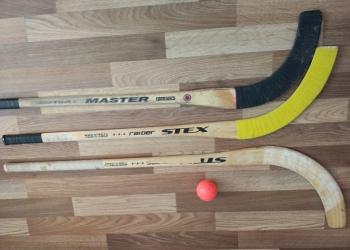 Продам клюшки для хоккея