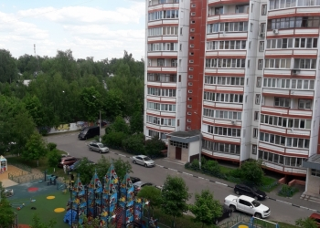 Продается просторная 2-х комнатная квартира распашонка 77 кв.м