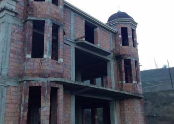 Вилла в Губа, село Иснов. 340  кв.м,площадь з/у 10 соток