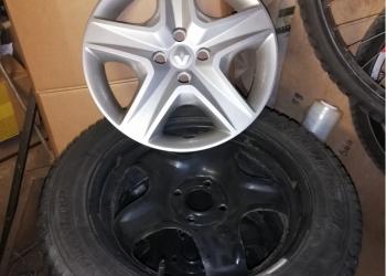 Dunlop ICE 01+Диски R16 Renault Sandero+колпаки
