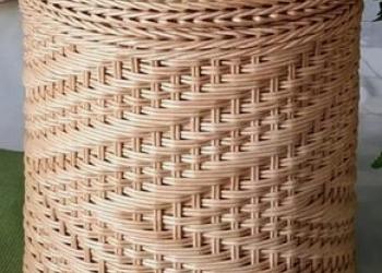 Корзина бельевая плетёная