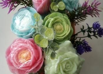 Составление цветочных композиций из мыла