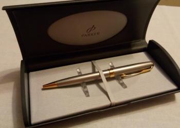 ручка шариковая PARKER с позолотой новая в упаковке