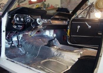 Шумоизоляция, тонировка,заправка кондиц ремонт сколов и трещин,полировка кузова