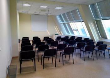 """Конференц-зал коворкинг центра """"Логово бобров"""""""