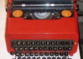 Печатная машинка Olivetti Valentine