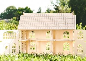 Игровой кукольный домик из дерева