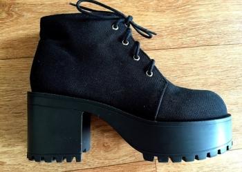 Холщовые ботинки на платформе со шнуровкой
