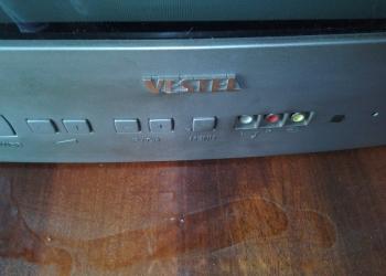"""Цветной телевизор """"Vestel""""."""