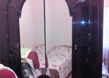 срочно продаю б/у мебель (спальный гарнитур и стенка) в хорошем состоянии.