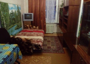 Сдам комнату посуточно на Васильевском острове.
