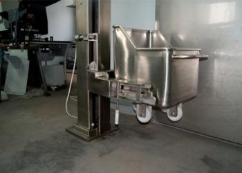 Подъёмник фарша и мяса со склада