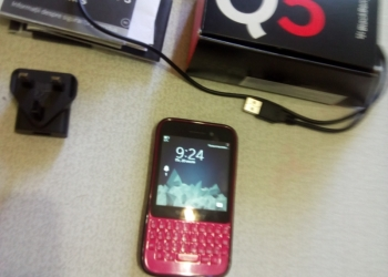 Смартфон BLACKBERRE Q5 pink. Б/У.