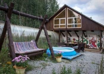 Уютный двухэтажный дом в деревянном стиле с русскими банями на березовых дровах