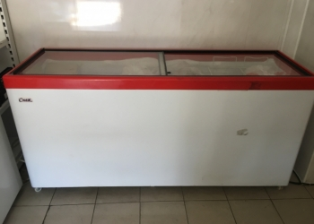 Холодильник-витрина,морозильник
