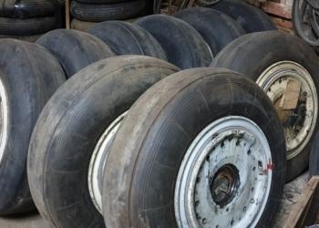 Продам авиационные колеса б/у 930х305, 950х300,800х225