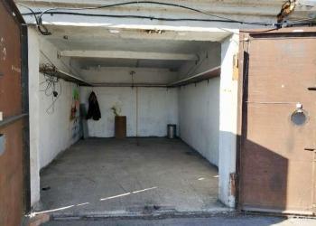 В связи с отъездом срочно продам гараж