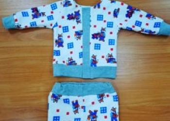 Набор деской одежды в коробке с прозрачной крышкой