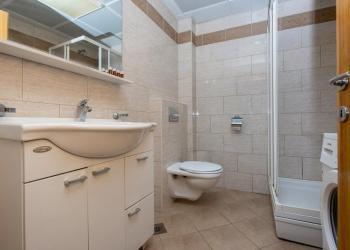 Продам квартиру (апартаменты)