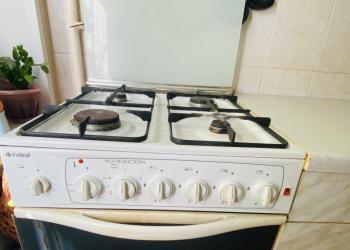 Кухонный гарнитур б/у с техникой