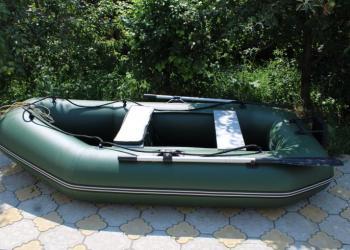 """Продаю лодку YUKONA 260 GT,  с мотором """"Волжанин""""."""