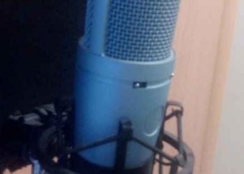 Продам Микрофон студийный