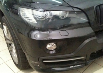 Накладки на фары BMW X5 в стиле Perfomance