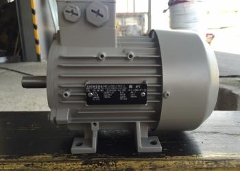 Электродвигатель Siemens 1LA7083-4AA10-Z A11