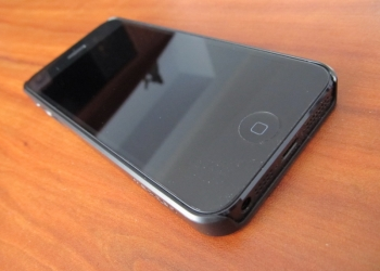 Смартфон APPLE iPhone 5 16Гб