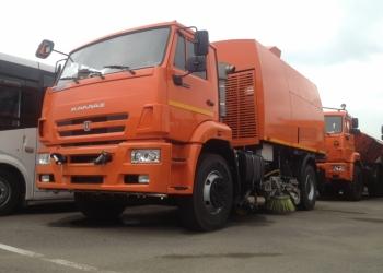 КО-318Д на шасси КАМАЗ-53605 вакуумная подметально-уборочная (пылесос)