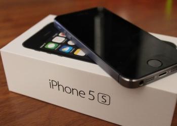 Айфон 5 s оригинал 8 500 руб