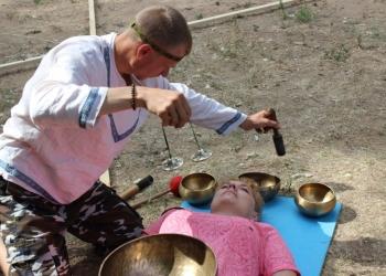 Лечебный массаж поющими чашами.